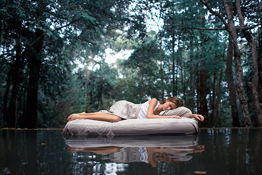 Pros and Cons of Using Waterbeds to Relieve Back Pain in Los Angeles, CA