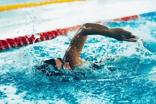 6 Spine Safety Tips for Swimmers in Los Angeles, CA