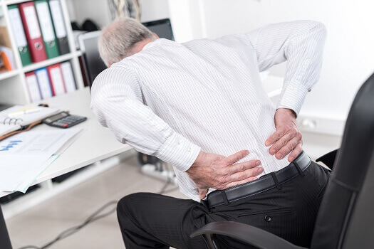 3 Reasons Men Should Consult Their Doctors on Spine Pain in Los Angeles, CA