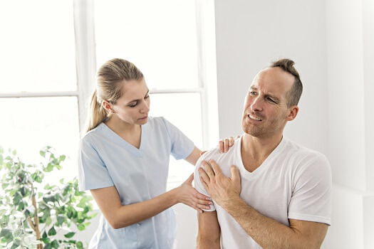How to Alleviate Pain Under Your Shoulder Blade in Los Angeles, CA