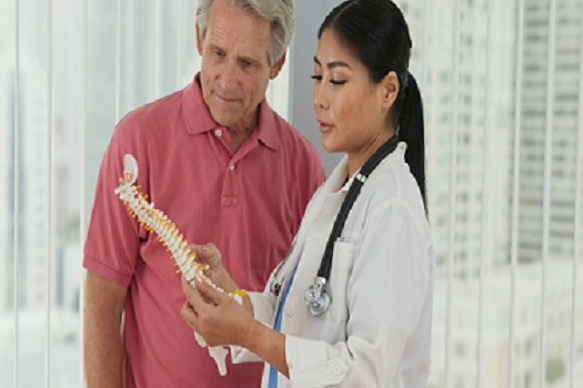 Difference Between a Spinal Surgeon & a Neurosurgeon in Los Angeles, CA