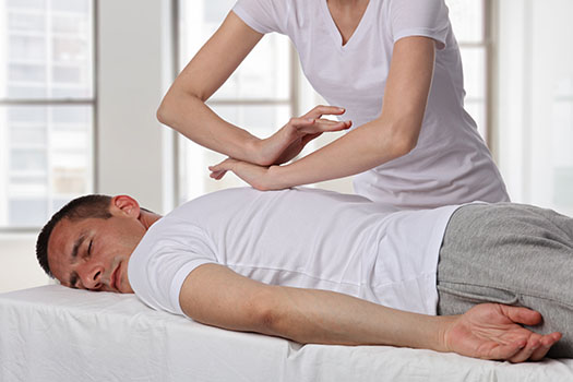 How Can Acupressure Relieve Persistent Back Pain in Los Angeles, CA