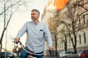 How to Avoid Back Pain in Your 30s & 40s in Los Angeles, CA