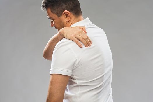 Link Between Pain in the Upper Back & Numbness in the Arms in Los Angeles, CA