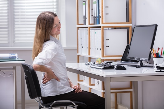 Symptoms Your Back Pain Might Need Emergency Treatment in Los Angeles, CA
