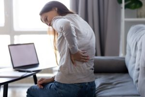 How Does a Herniated Disc in the Upper Back Cause Pain in Los Angeles, CA